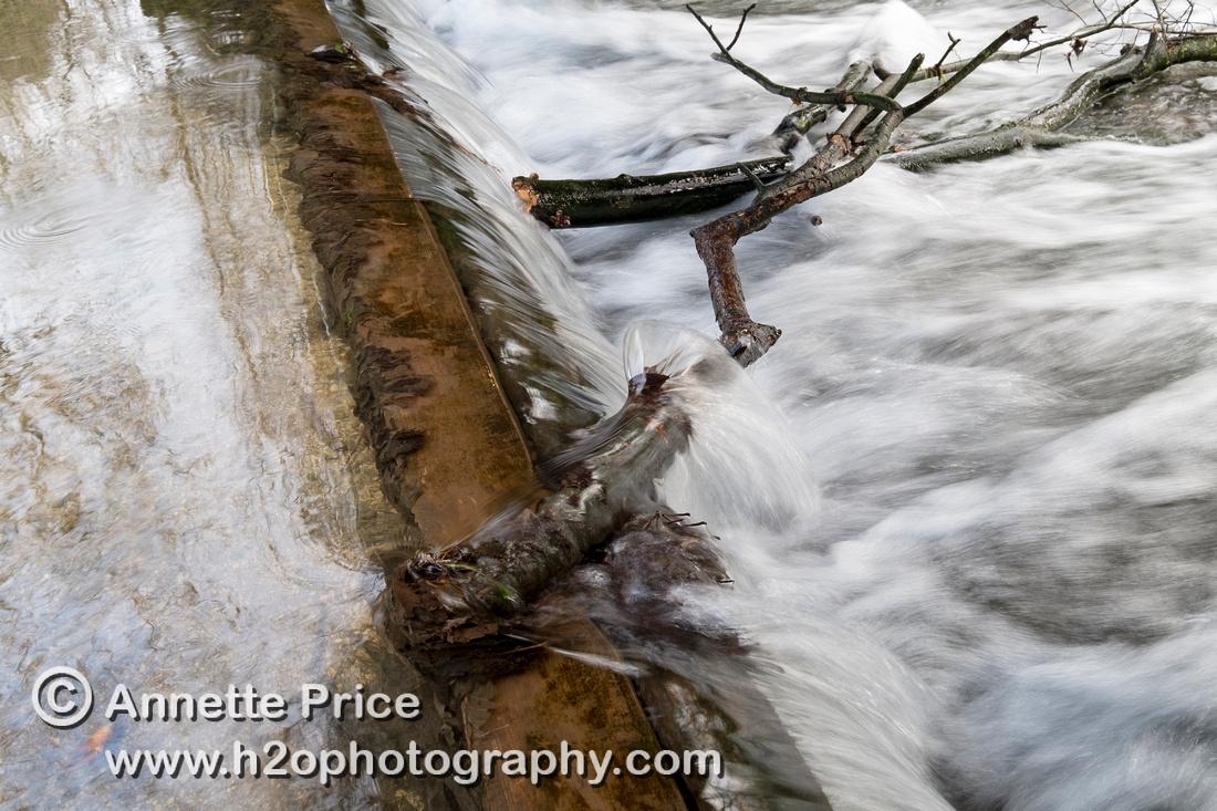 Weir, River Thames, up river from Ashton Keynes village, UK