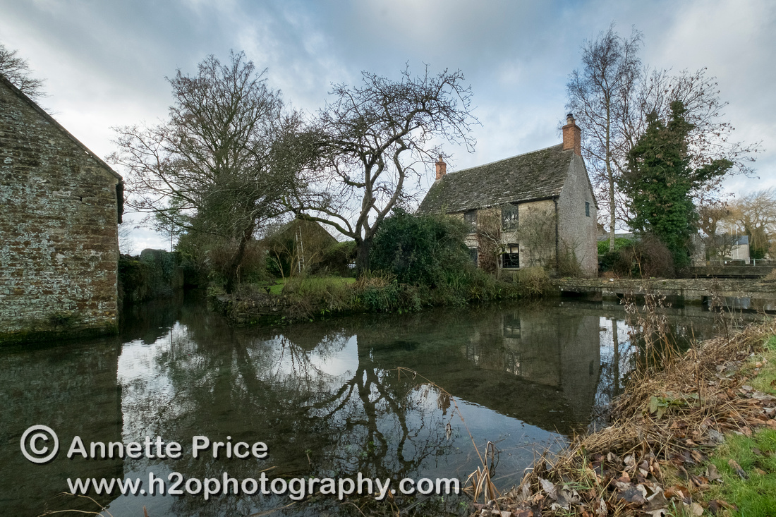 Ashton Keynes village. This is the first village which the River Thames flows through.